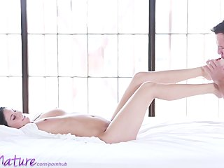 puremature youthful mommy gets creampie