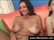 mom-and-daughter-do-the-same-guy-hi_711