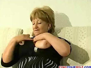 chunky older cougar receive horny